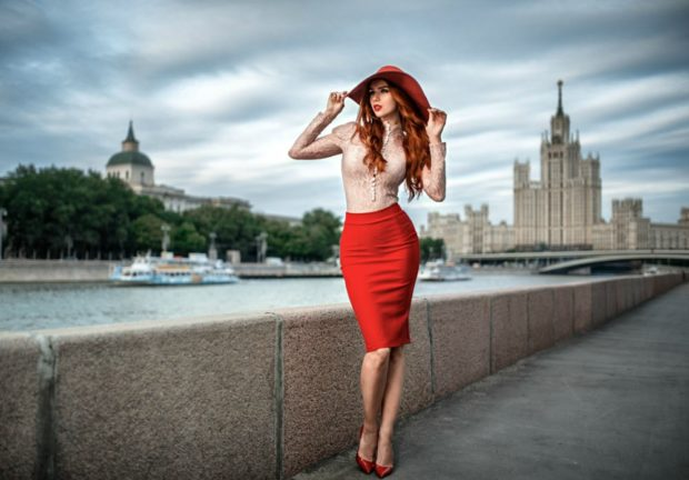 юбка карандаш красная под блузку бежевую