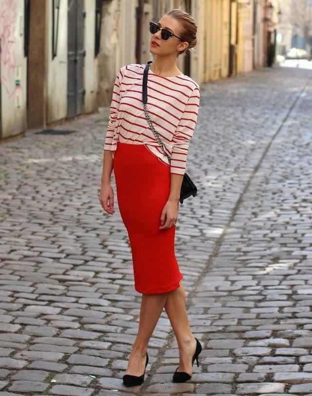 красная юбка с чем носить: карандаш под кофту