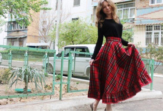 Красная юбка с чем носить: шотландка длинная