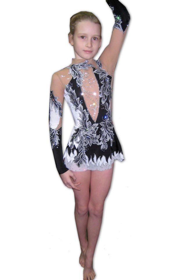 купальники для художественной гимнастики: черно-белый с длинным рукавом