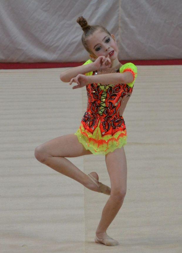 купальники для художественной гимнастики для выступлений: бифлекс цветной