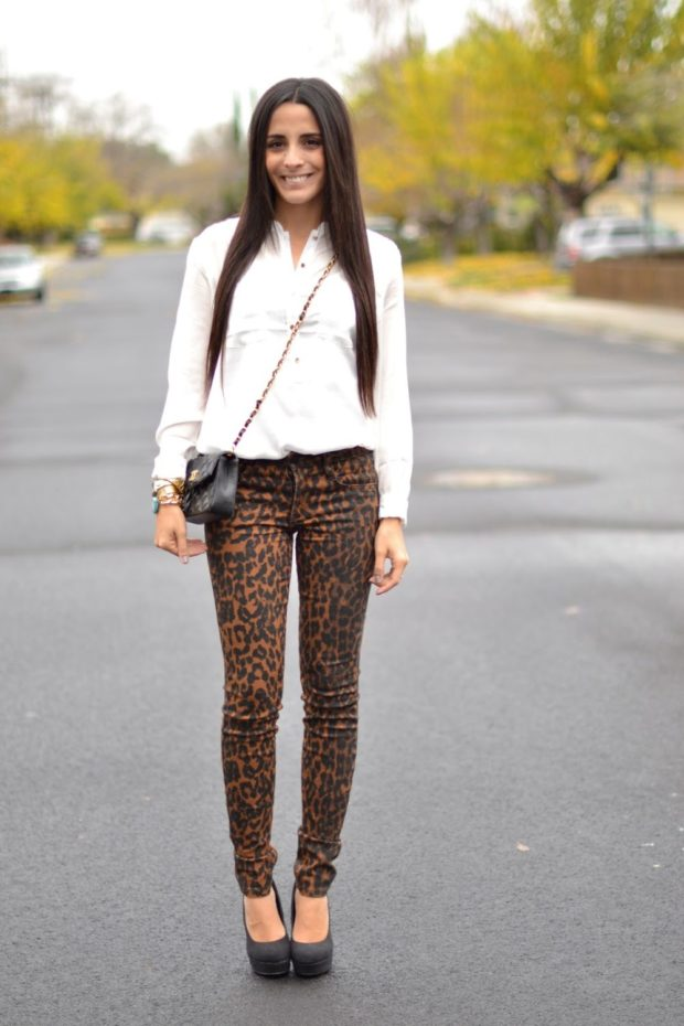 что носить с леопардовыми джинсами