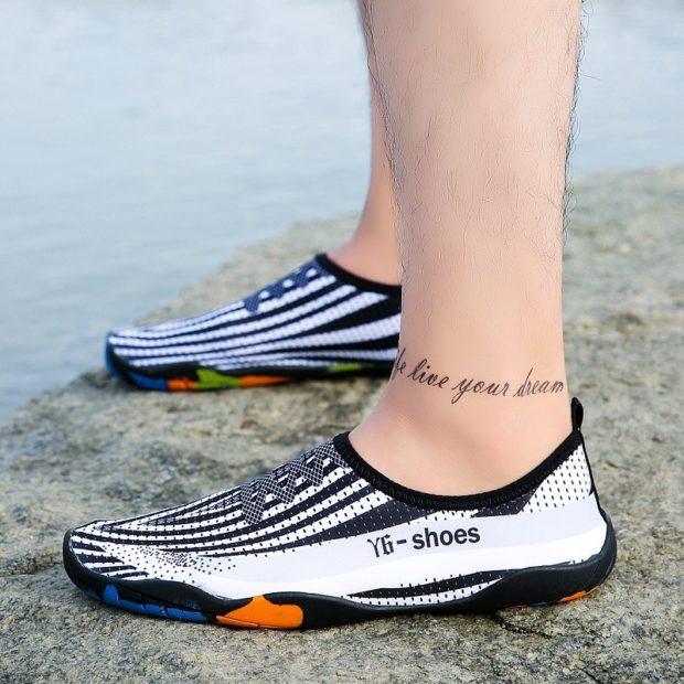 спортивные кроссовки черные с белым