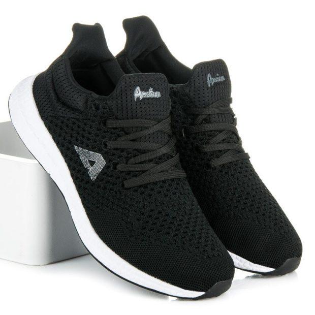 кроссовки черные с белой подошвой