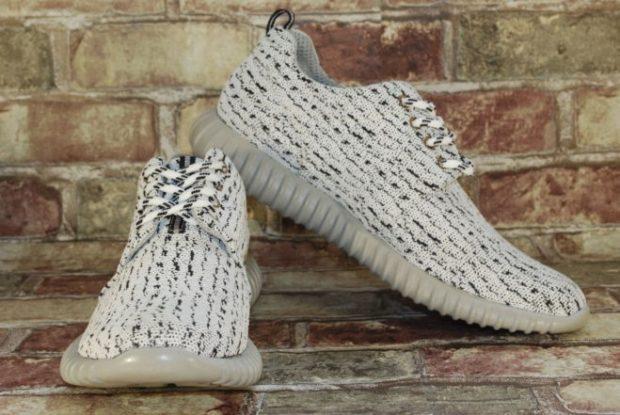 кроссовки серое-белые