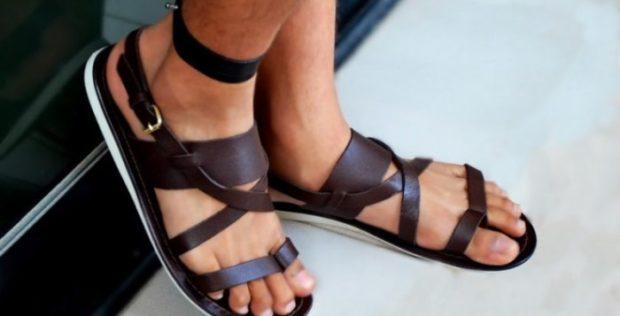шлепанцы римские кожаные