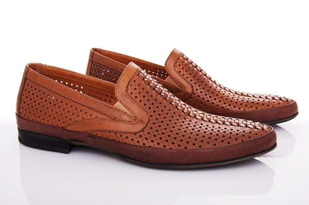 классические туфли летние коричневые в сетку