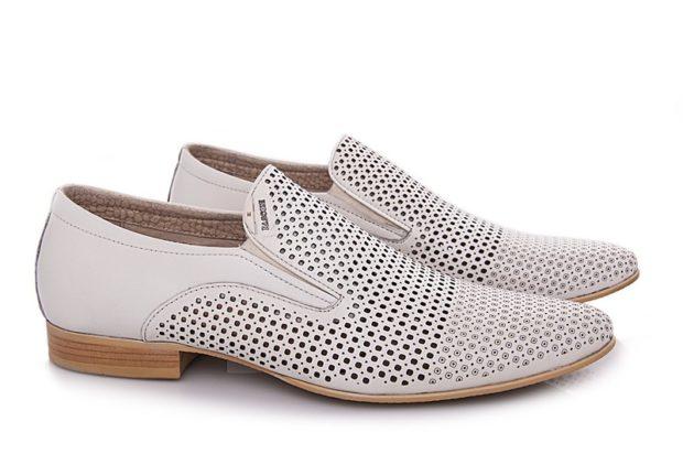 классические туфли летние белые в сетку