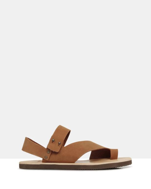 коричневые сандали на плоской подошве