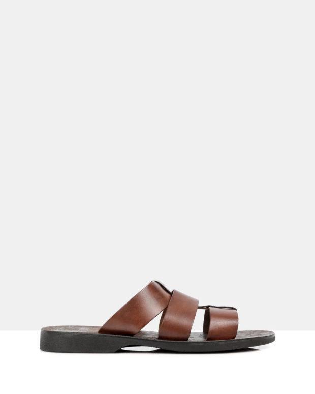 темно-коричневые сандали на плоской подошве