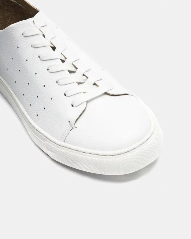 кожаные белые кеды на шнурках