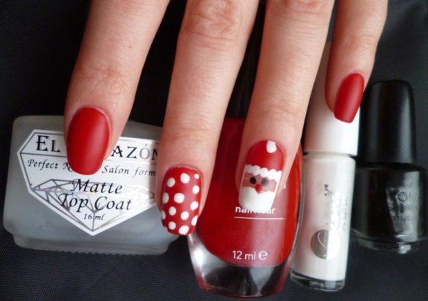 красно белый маникюр зимний с кружочками с дедом морозом