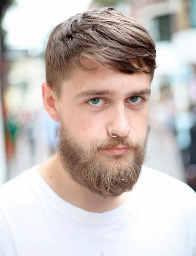 легкая борода с усами