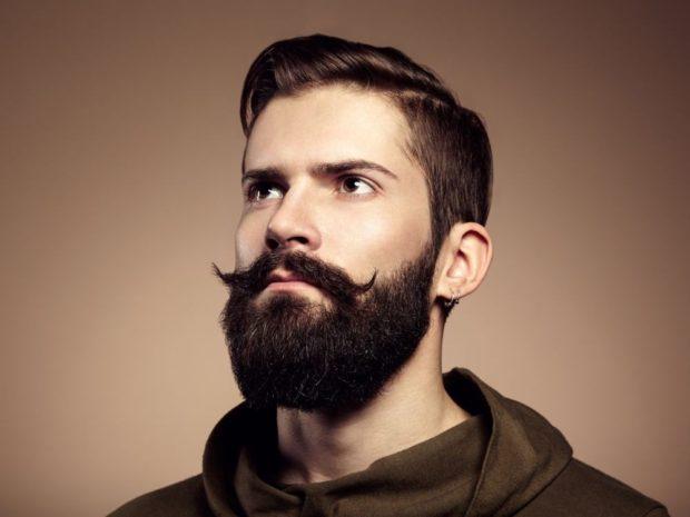 густая борода усы закрученные
