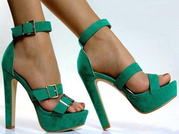 босоножки 2018: зеленые на высоком каблуке с застежками