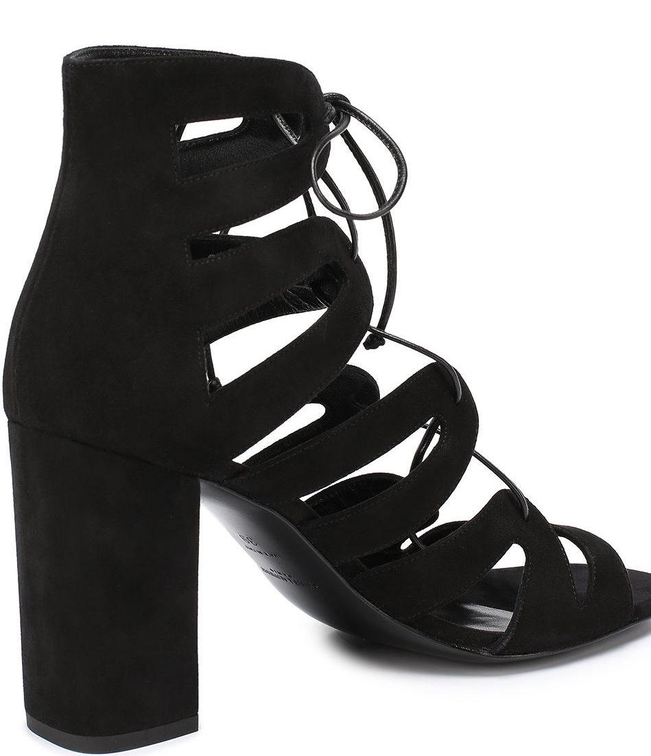 модные босоножки 2018: черные на шнуровке на каблуке