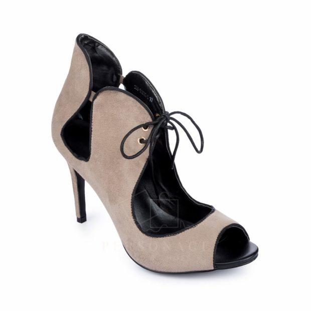 модные босоножки: на шнуровке бежевые на шпильке