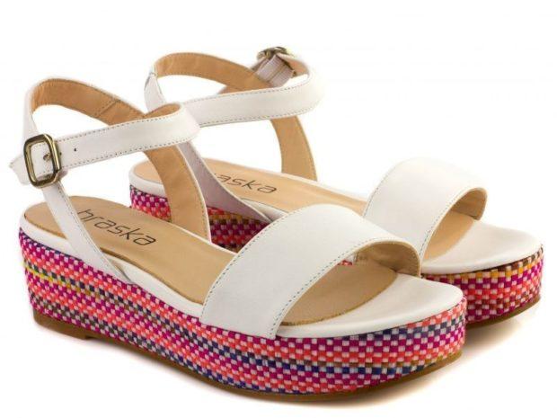 босоножки 2019: сандалии на низком ходу белые подошва цветная