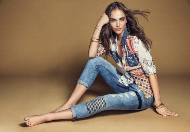 джинсы короткие с аппликациями