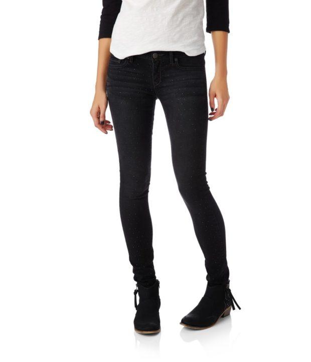модные джинсы 2018-2019 женские: узкие черные