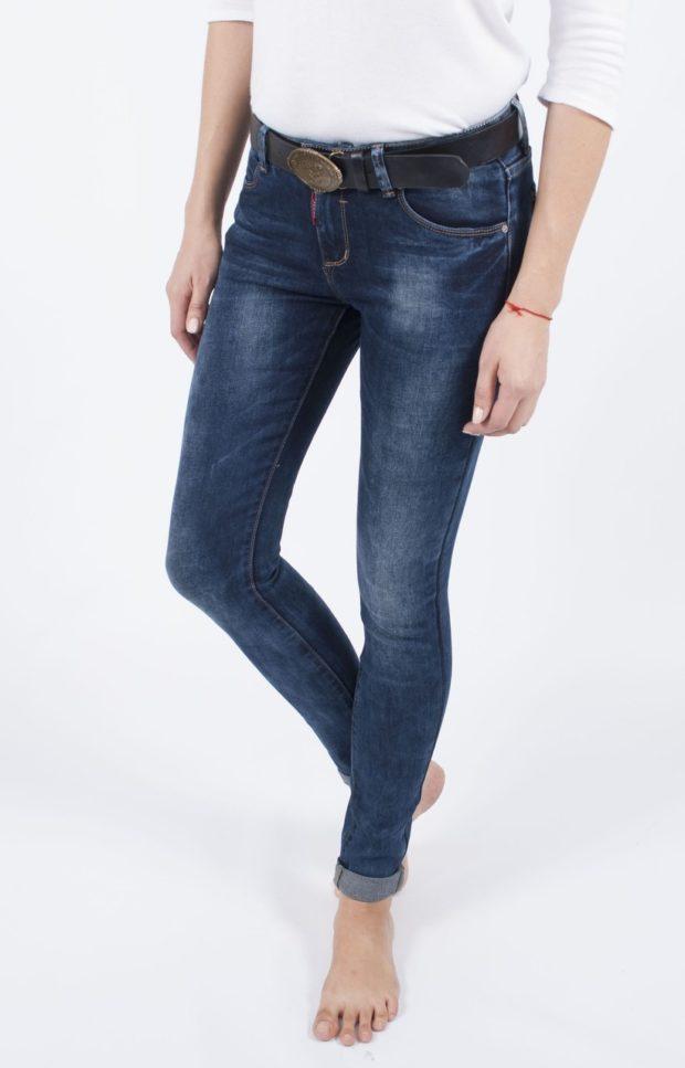 классические джинсы синие с отворотом