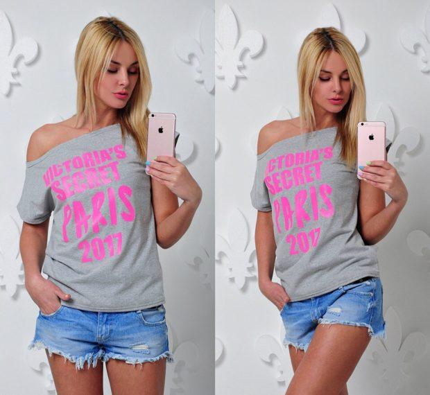 футболки лето 2018 женские: серая на одно плечо с надписями