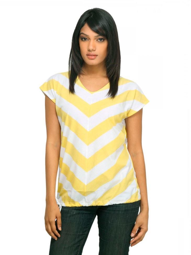 модные футболки 2018 женские фото: желтая с белым в полоску