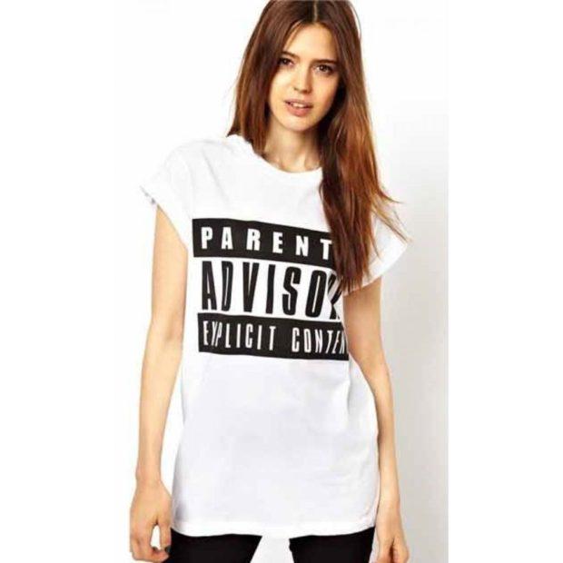 модные футболки 2018 женские фото: белая с черными словами