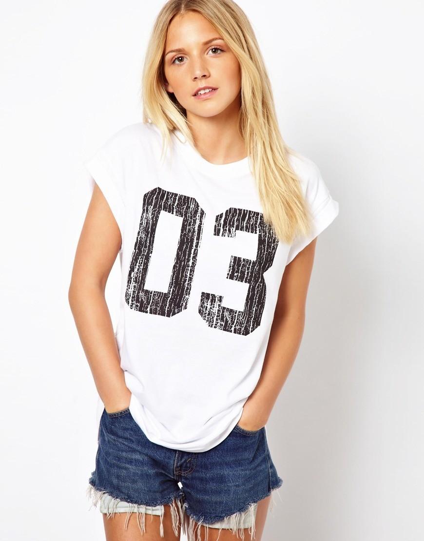 футболки 2018 женские фото: белая с цифрами