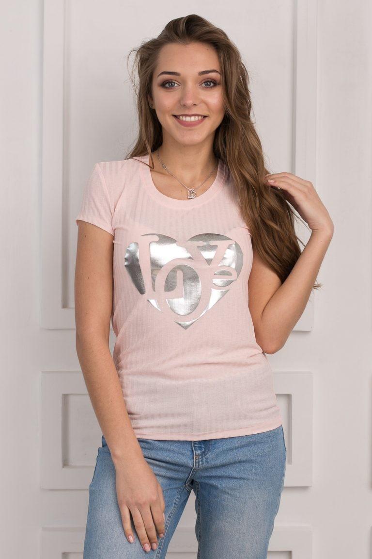 модные футболки 2018 женские фото: розовая с серебристым рисунком
