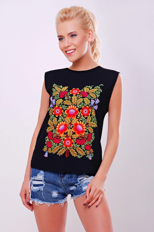 футболка черная с принтом цветы