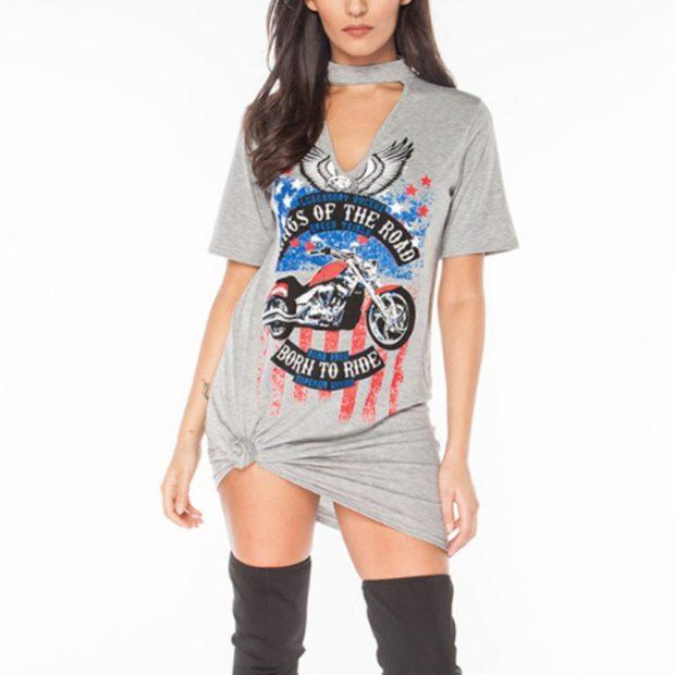 серая футболка мини-платье с принтом