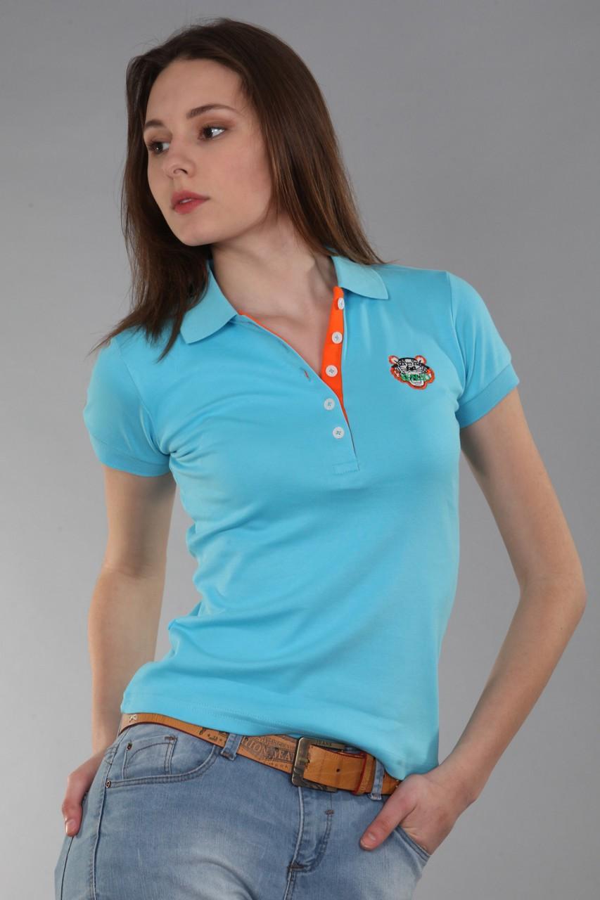 футболка с воротничком голубая