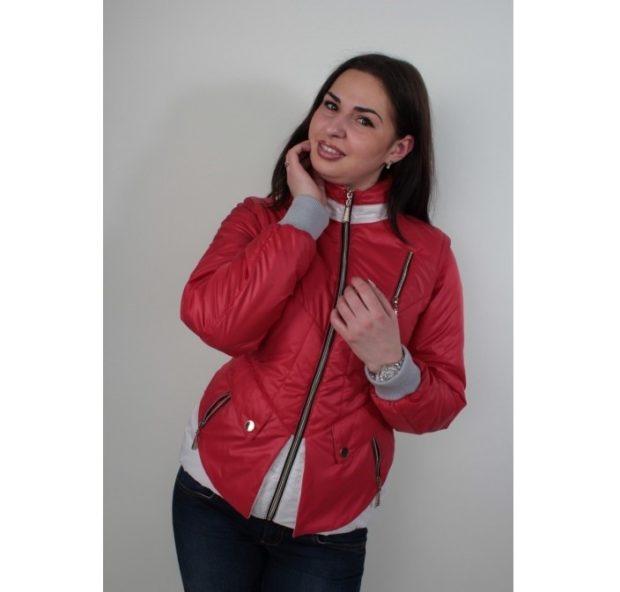 куртка на синтепонекрасная с белым короткая