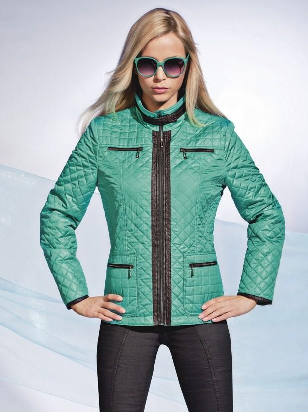 куртка на синтепоне зеленая короткая стежка квадрат