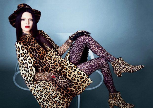 модные принты 2018 2019 года в одежде: леопардовое пальто ботинки
