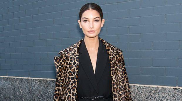модные принты 2018 2019 года в одежде: леопардовое пальто классика