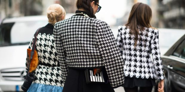 модные принты 2018 2019 года в одежде: гусиная лапка пиджаки короткие