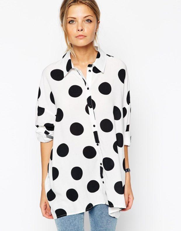 модные принты 2018 2019 года в одежде: блузка белая в черный горох