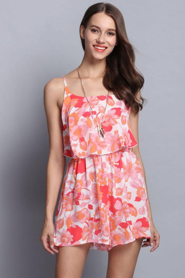 модные принты 2018 2019 года в одежде: платье розовое в цветы