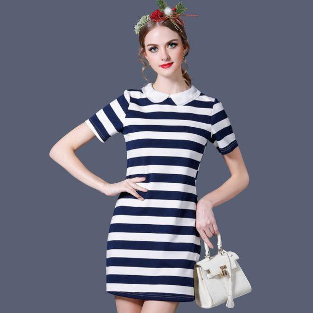 модные принты 2018 2019 года в одежде: платье белое в синюю полоску
