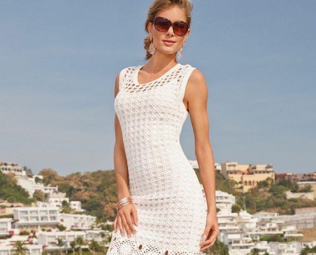 платье белое без рукава вязка