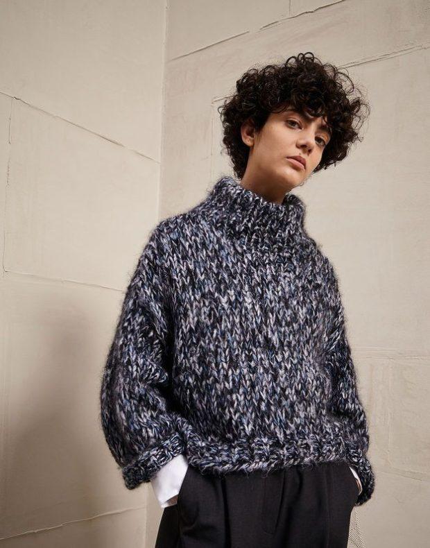 свитер вязаный короткие крупная вязка