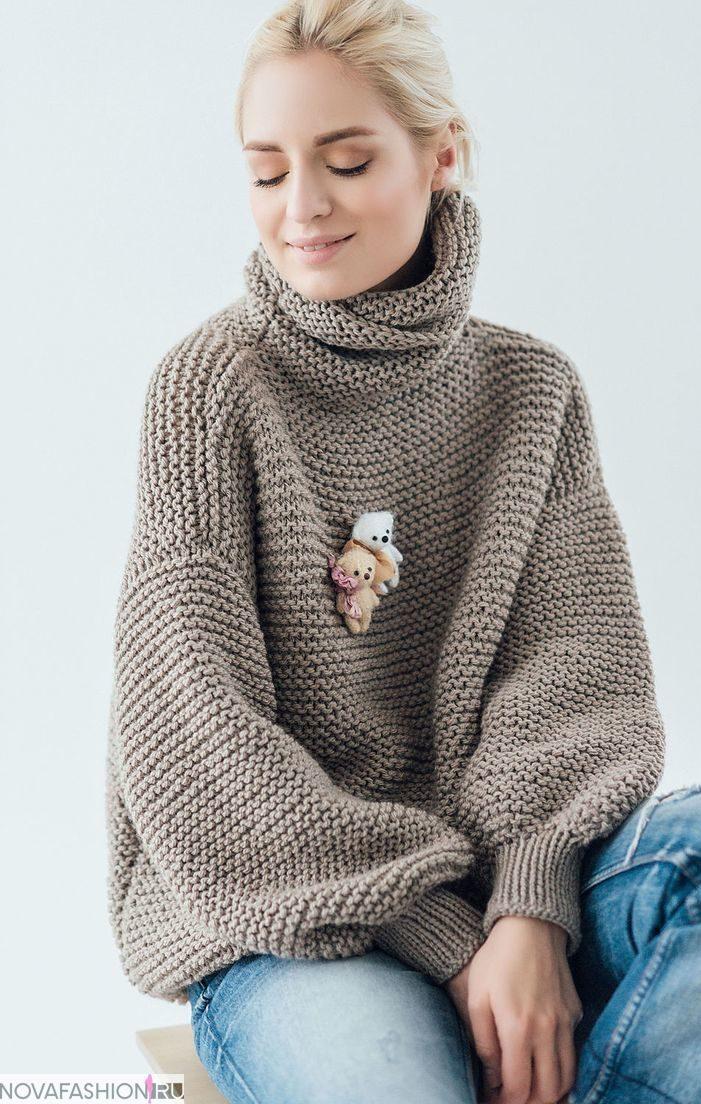 обьемный свитер коричневый с мишками