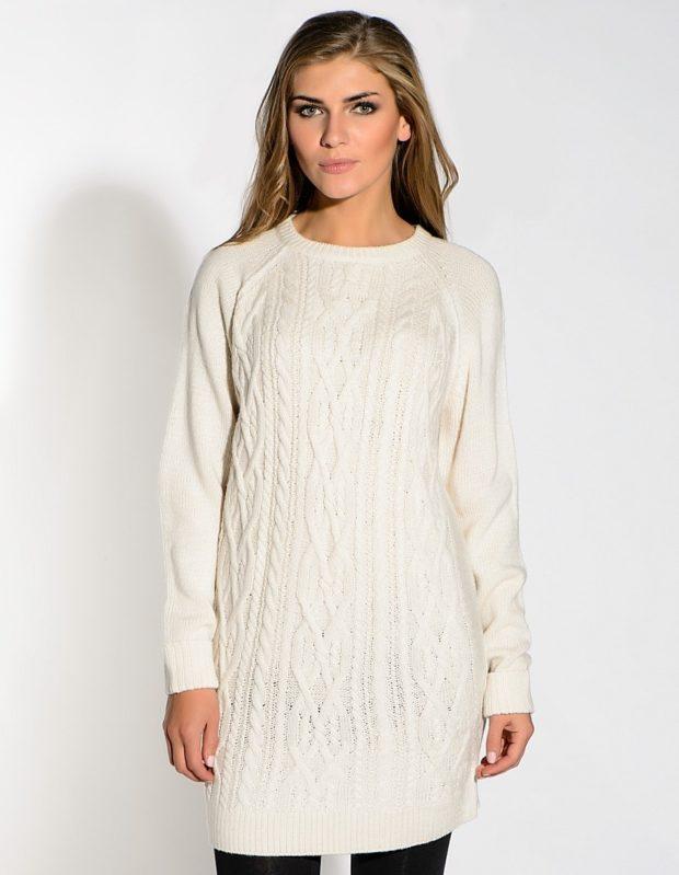 вязаное платье белое с узорами