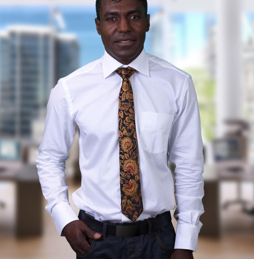 галстук черный с золотыми вензелями
