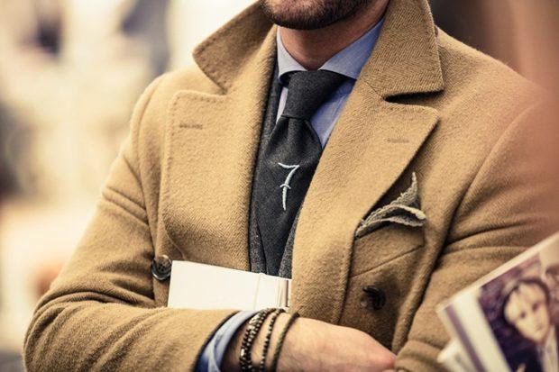 галстук теплые серый с украшением