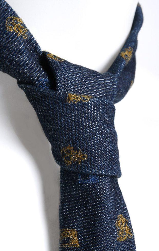 катоновый галстук синий с золотыми вензелями