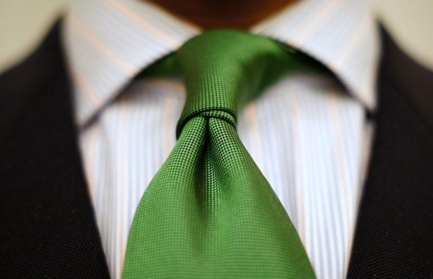 зеленый галстук классика
