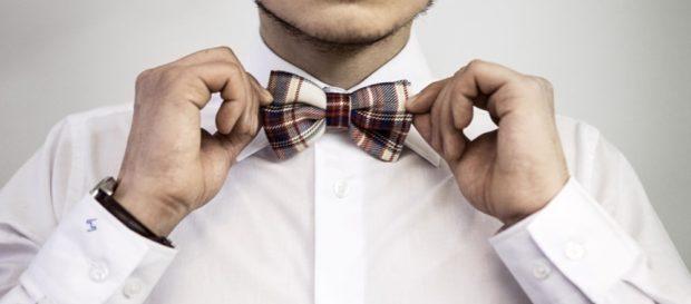 галстук бабочка коричневая с бежевым